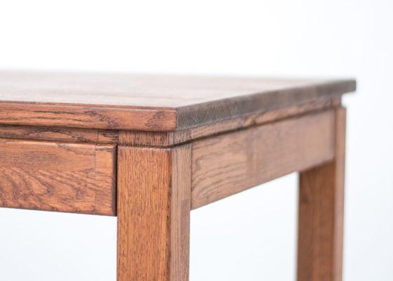 Чим покрити дерев'яний кухонний стіл: особливості матеріалу