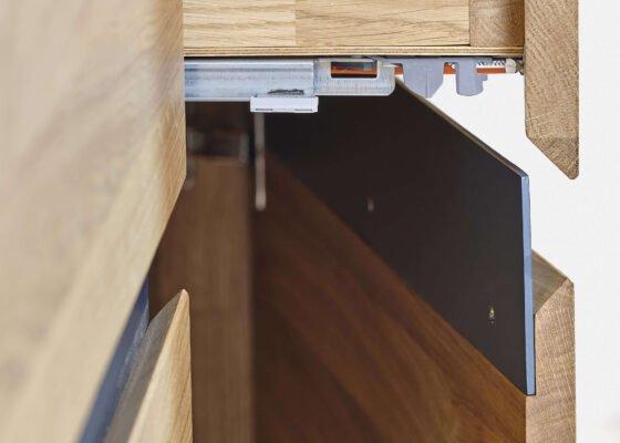 Догляд за дерев'яними меблями на кухні